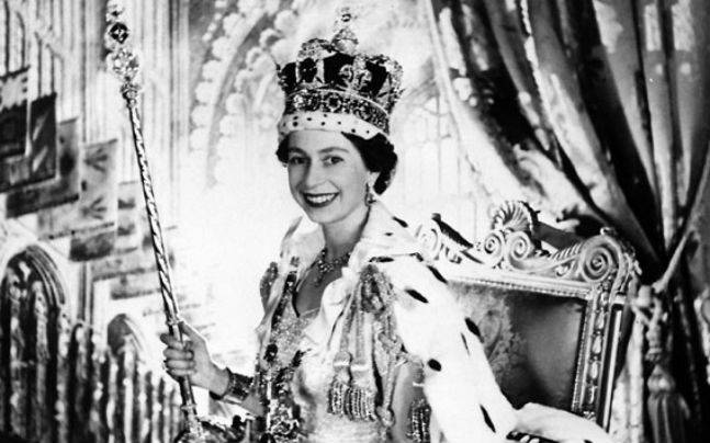 queen-elizabeth-coronation-647_060216104318